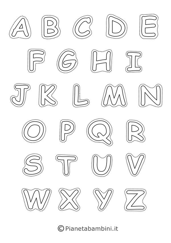 Lettere maiuscole in bianco e nero