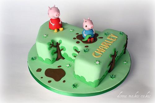 Foto della torta di Peppa Pig n.09