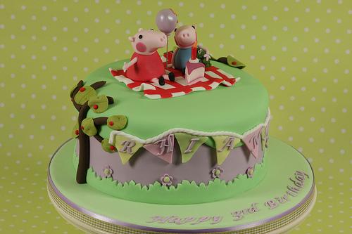 Foto della torta di Peppa Pig n.32