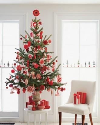 Immagine dell'albero di Natale rosso e bianco