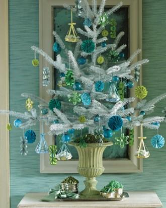 Immagine dell'albero di Natale con cestini di caramelle