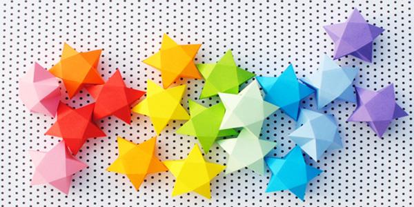 Come creare delle stelle di carta tridimensionali