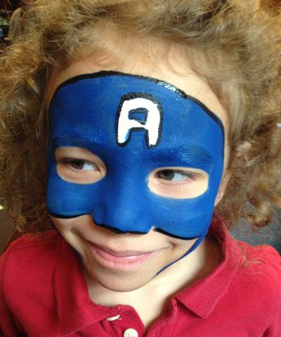 Immagine del trucco per il viso da Capitan America