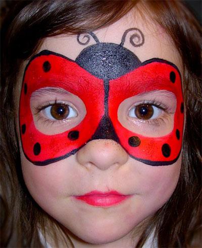 Immagine del trucco per il viso da coccinella