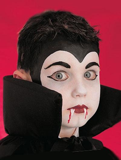 Immagine del trucco per il viso da Dracula