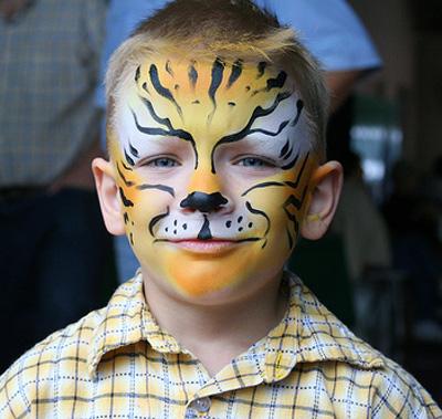 Immagine del trucco per il viso da ghepardo