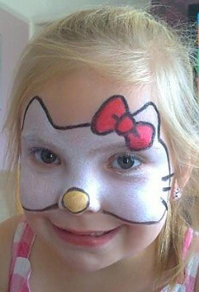 Immagine del trucco per il viso da Hello Kitty