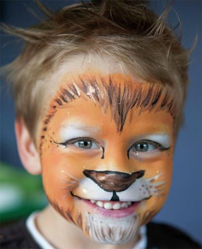 Immagine del trucco per il viso da leone