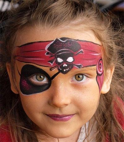 Immagine del trucco per il viso da piratessa