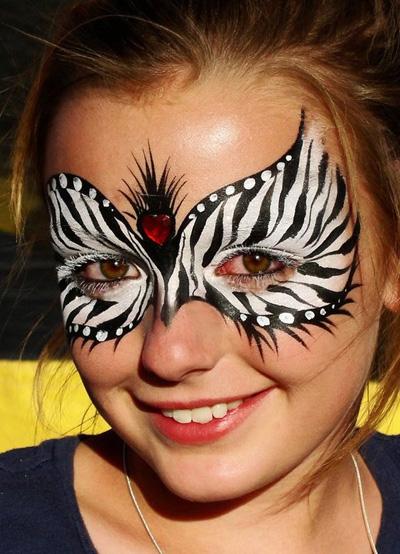 Immagine del trucco per il viso da zebra