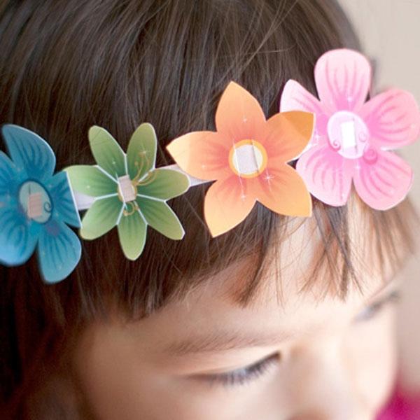 Coroncina realizzata con fiori di carta