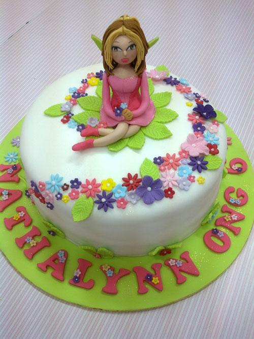 Foto della torta delle Winx n. 40