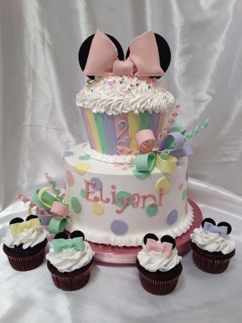 Foto della torta di Minnie n. 32