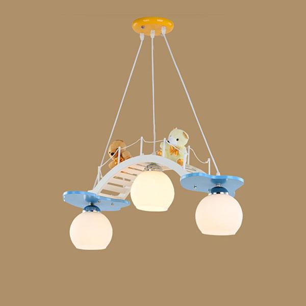 50 fantastici lampadari per camerette di bambini for Lampadari camerette ikea