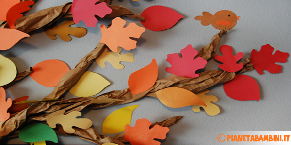 Albero autunnale grande di carta da creare con i bambini