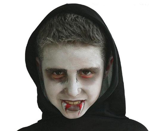 Trucco di Halloween da vampiro n.01