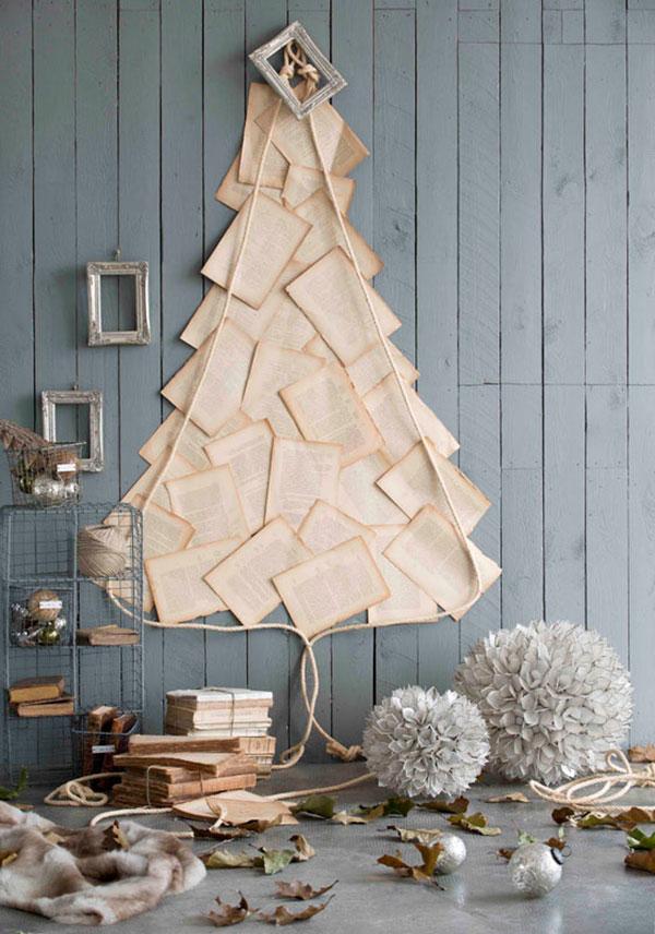 Come creare un albero di Natale da parete fai da te con fogli di carta