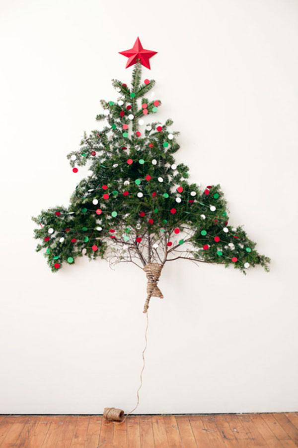 Albero di Natale fai da te con rametti di pino
