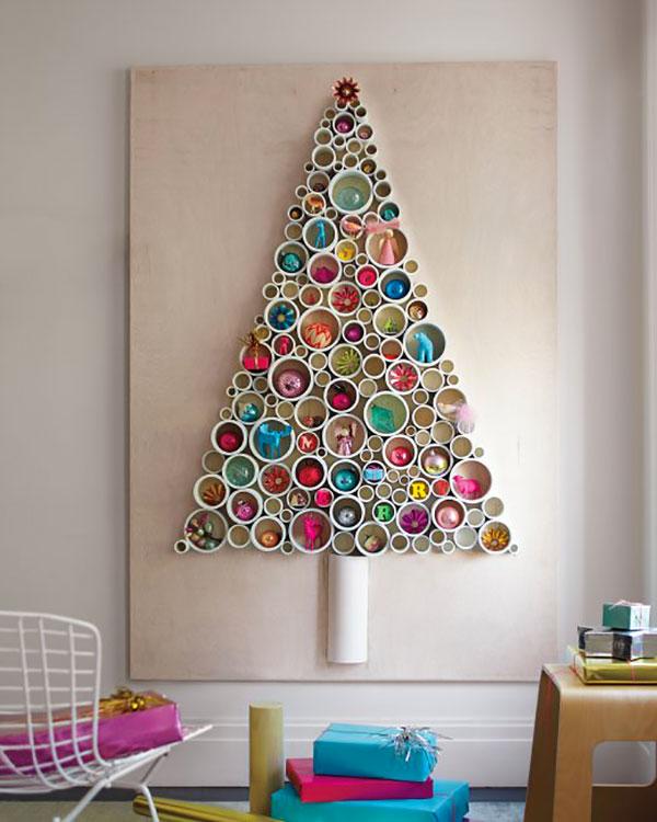 Come creare un albero di Natale da parete fai da te con tubi
