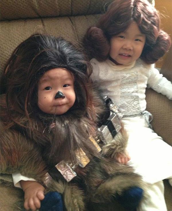 Costume di Halloween da Chewbecca e principessa Leila