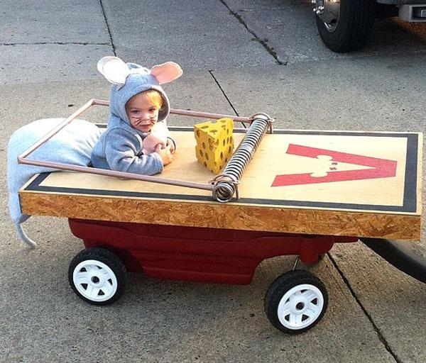 Costume di Halloween da trappola per topi