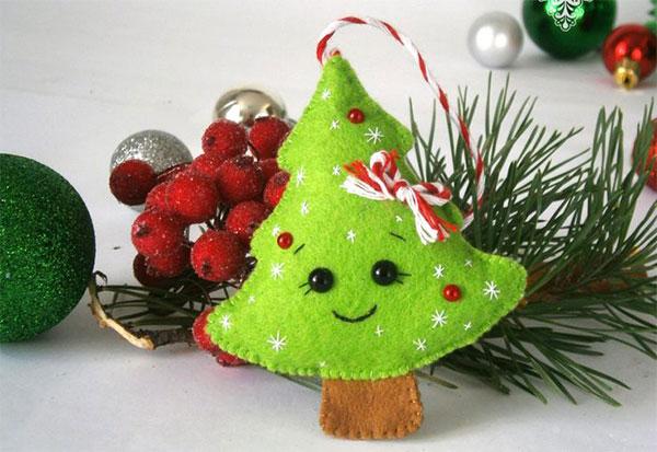 Immagine dell'alberello di Natale in feltro n.25