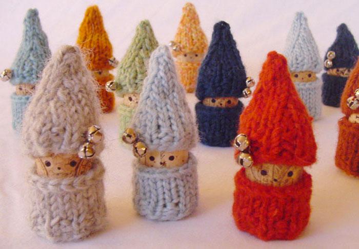 Come creare degli gnomi con tappi di sughero come lavoretto per Natale