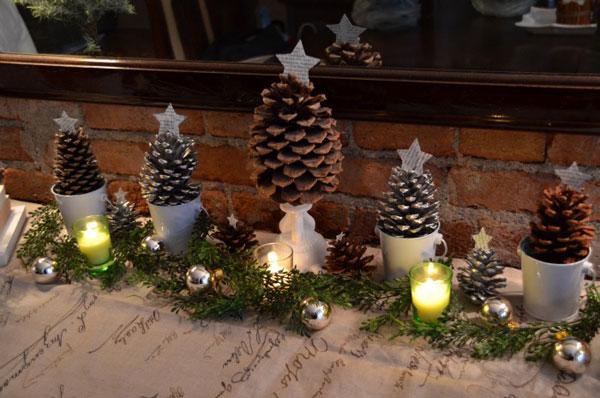 Semplici decorazioni natalizie con le pigne