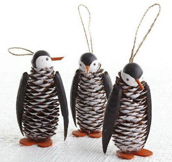 Lavoretto di Natale pinguini con le pigne