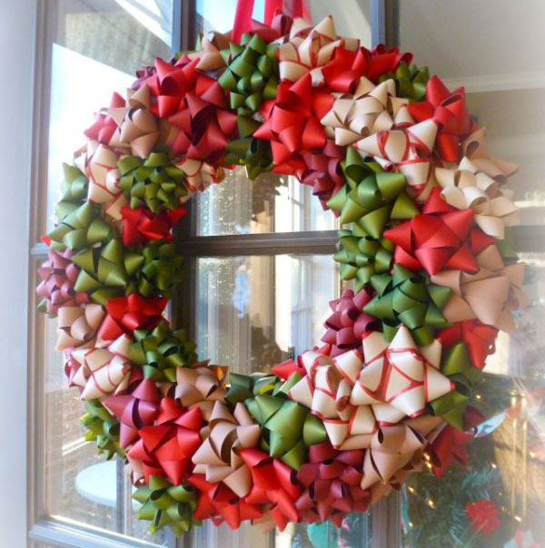 Ghirlanda natalizia con fiocchi per pacchi regalo