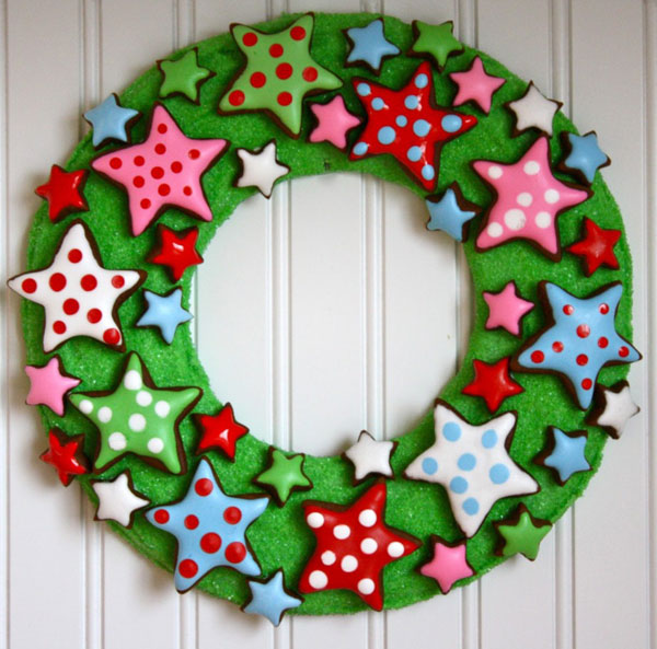 Ghirlanda natalizia con stelline multicolore