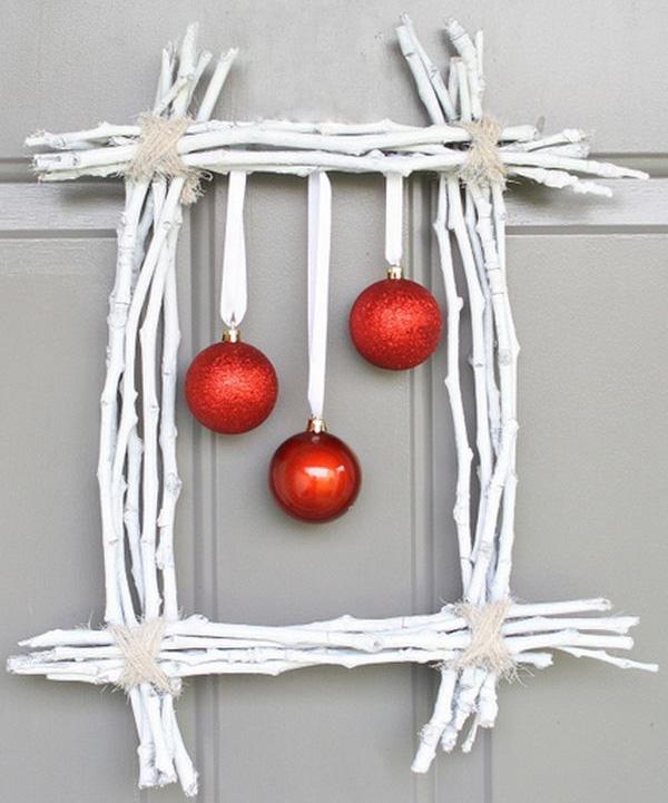 Ghirlanda natalizia di forma rettangolare con rametti