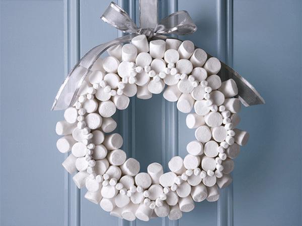 Ghirlanda natalizia con marshmallow