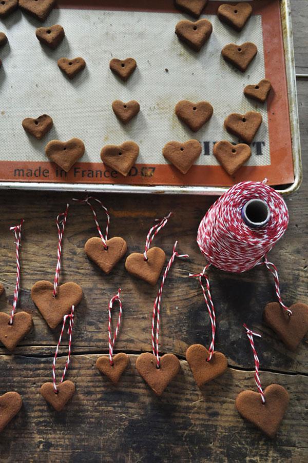 Decorazioni di Natale con biscotti a forma di cuore