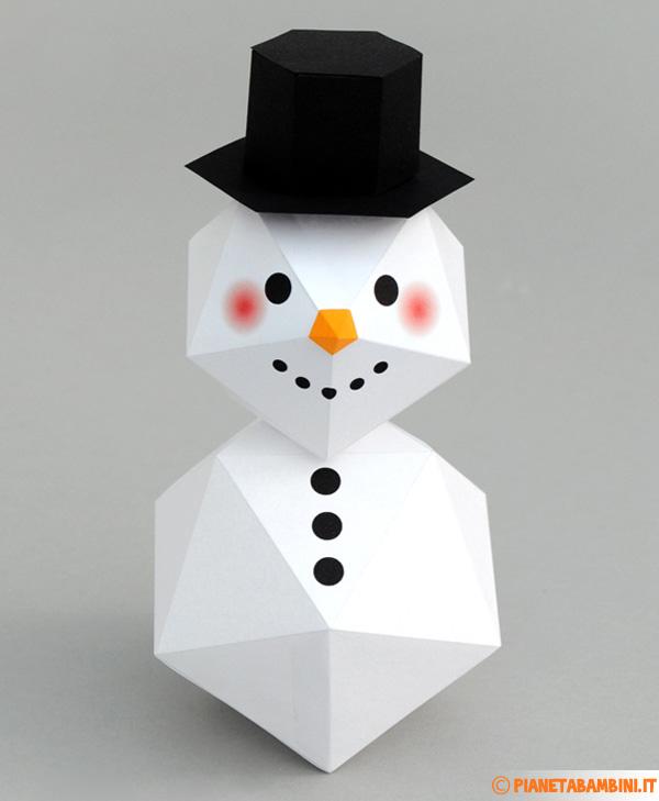 Pupazzo di neve tridimensionale creato con cartoncino