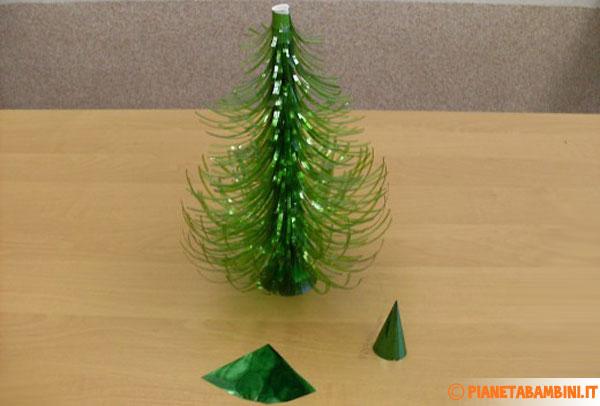 Come realizzare la punta per l'albero di Natale in plastica
