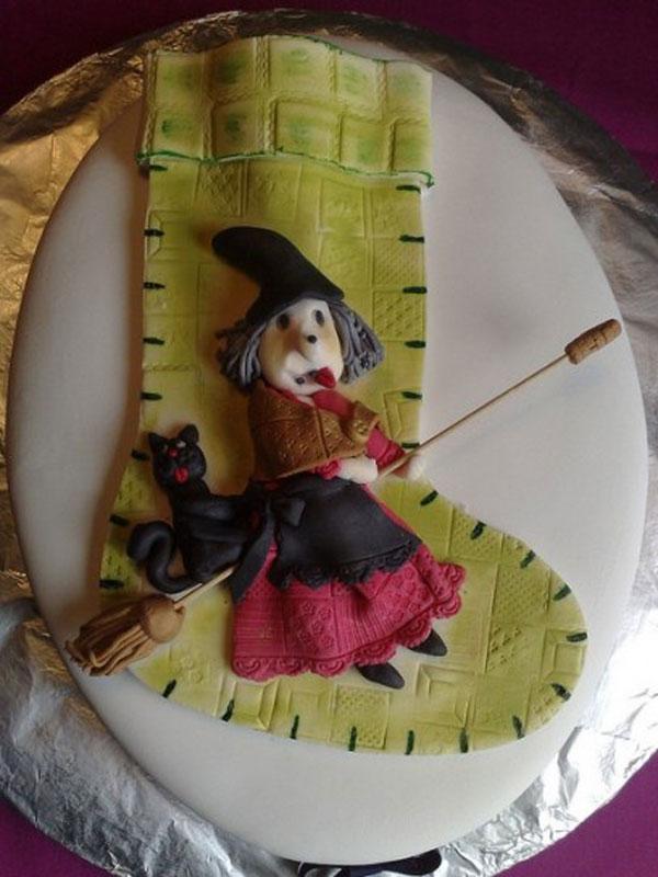 Foto della torta della Befana in pasta di zucchero n.38