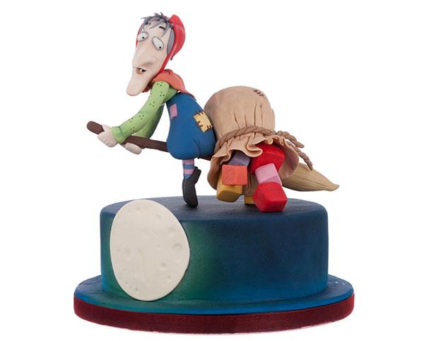 Foto della torta della Befana in pasta di zucchero n.41
