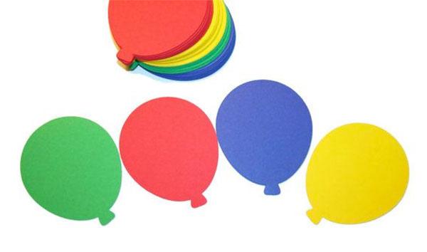 Come creare dei palloncini con cartoncini colorati