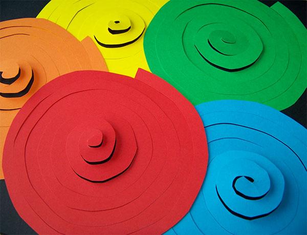 Come creare delle spirali di cartoncino
