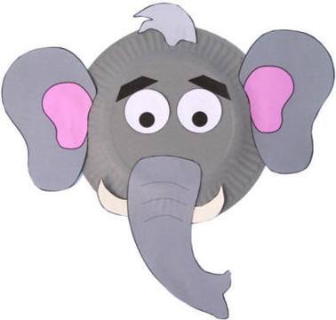 Maschera da elefante fai da te con piatti di plastica
