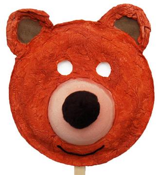 Maschera da orso con piatti di plastica