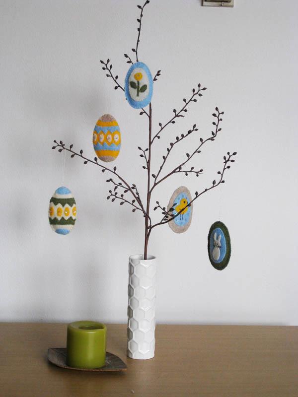 Albero decorato con uova pasquali
