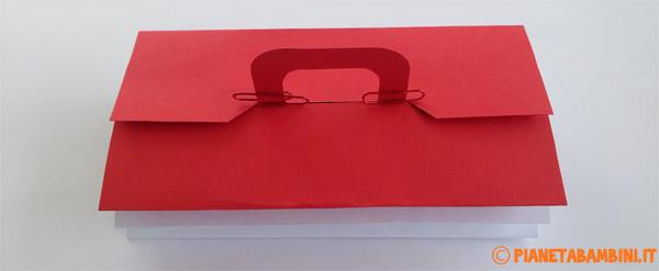 La cassetta degli attrezzi di carta in versione chiusa