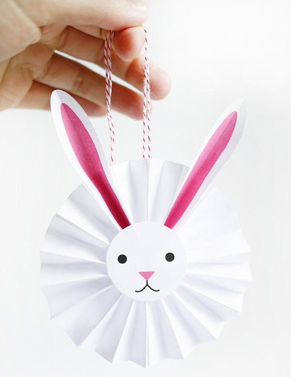 Il coniglietto coccarda come lavoretto di Pasqua