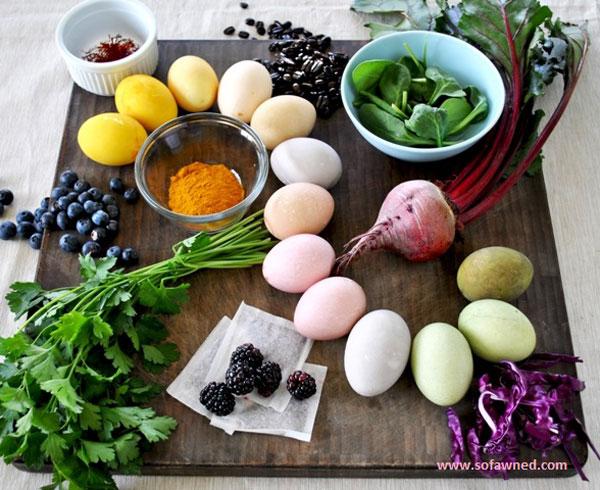 Come decorare le uova con elementi naturali