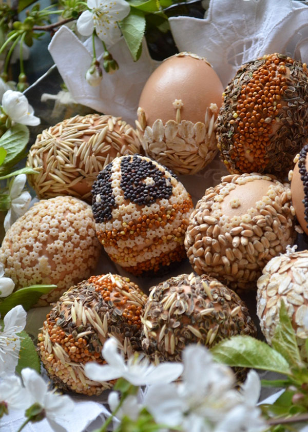 6 idee per lavoretti di pasqua con la pasta secca - Uova decorate per bambini ...
