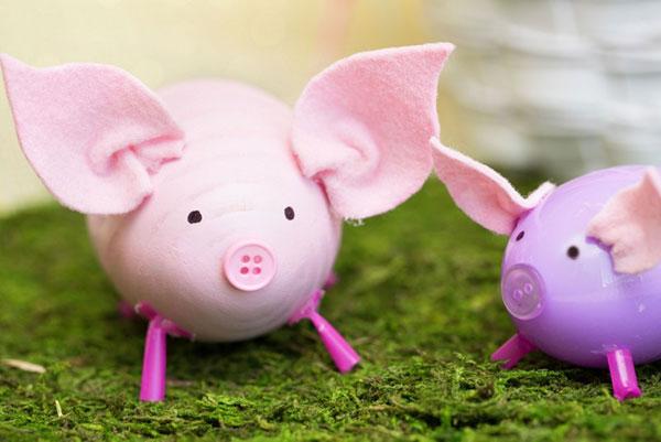 Come decorare uova di Pasqua per creare maialini