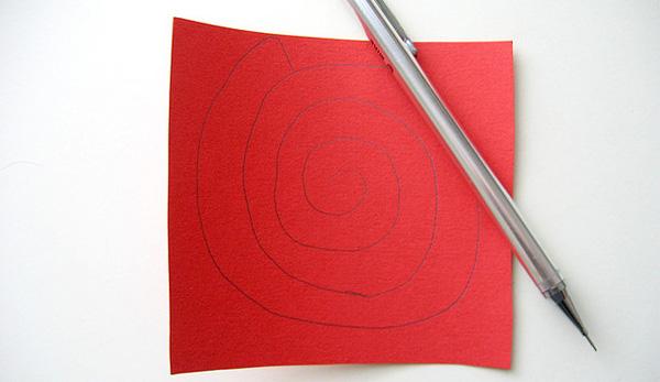 Disegno della spirale per creare le rose di carta