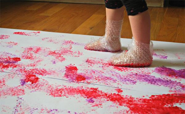 Dipingere con i piedi